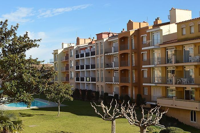 Empuriabrava, Cozy apartment for your holidays in a privileged residencial area
