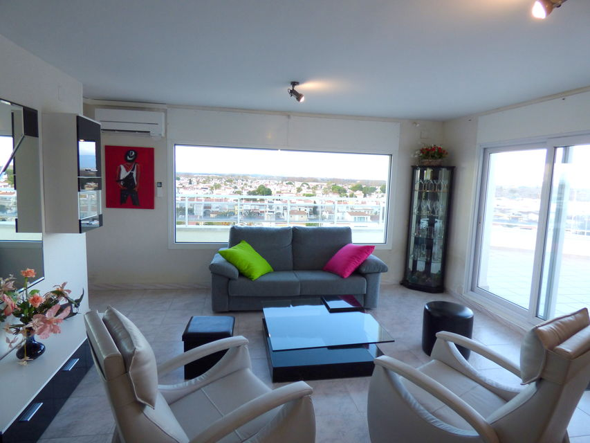 Empuriabrava, fantastic holiday apartment in the Club Nautic