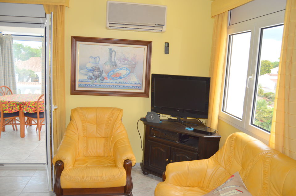 Pleasant apartment with possibility of boat mooring