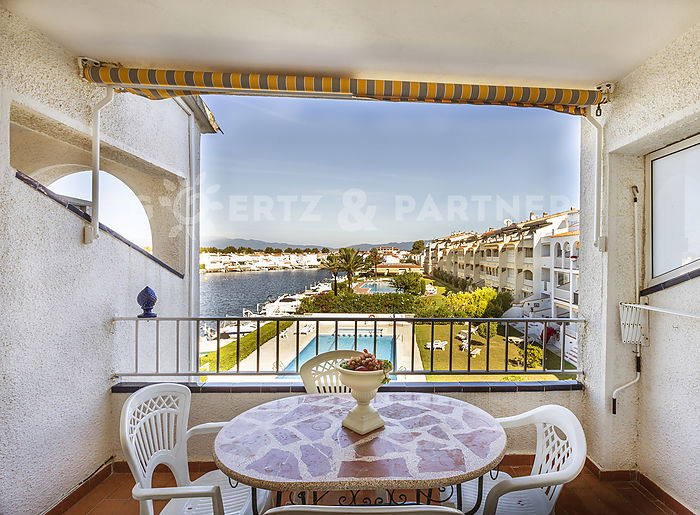 Apartment on Lake Sant Maurici Empuriabrava