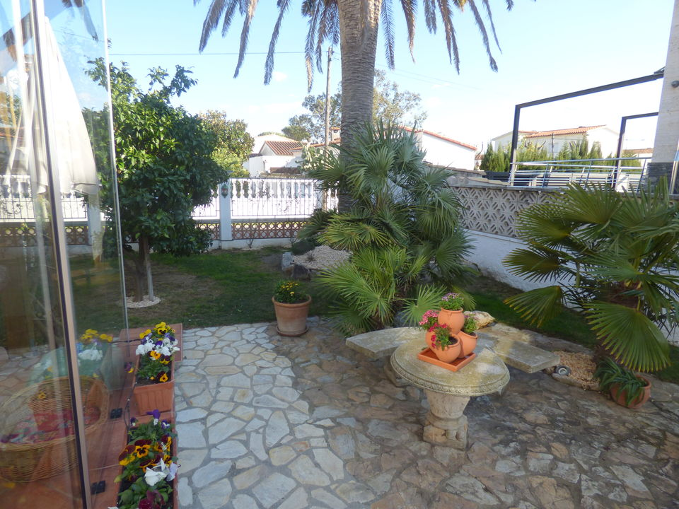 Cozy and well maintained villa in a central sector