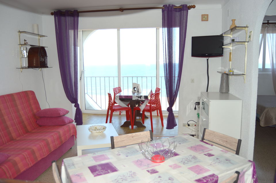 Apartment with 2 bedrooms and seaview