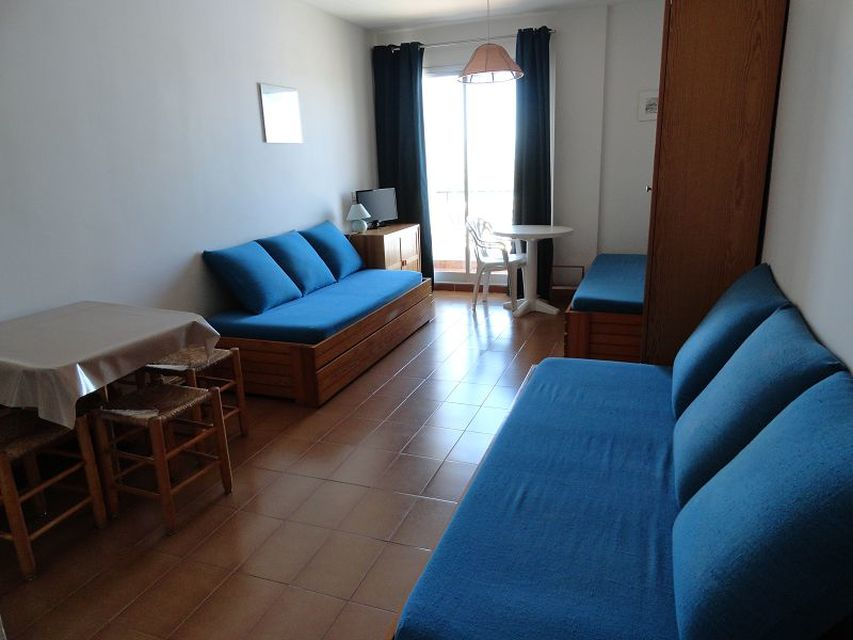 Empuriabrava, Studio for holiday rental in first sea line