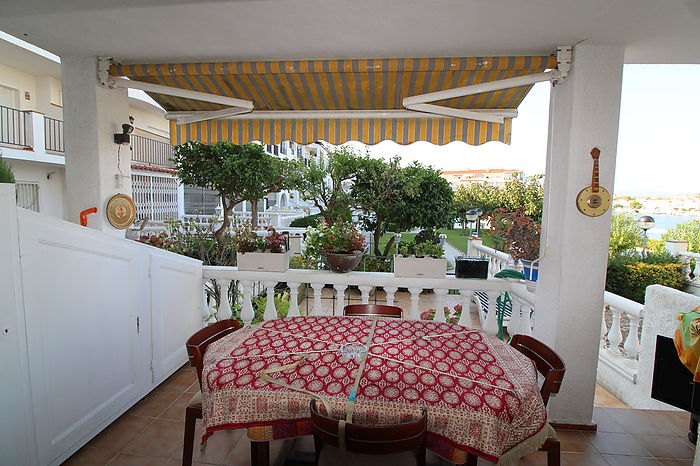 Apartment with large for sale in Empuriabrava